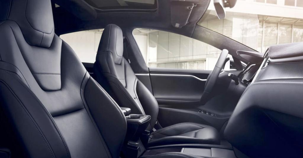 voiture-autonome-sans-chauffeur-tesla-fin-embouteillages-diminution-consommation-carburant-augmentation-securite