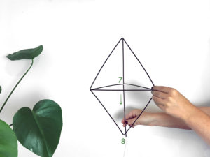 tutoriel_diy_mobile_paille_geomtrique-suspension_MONSTERA