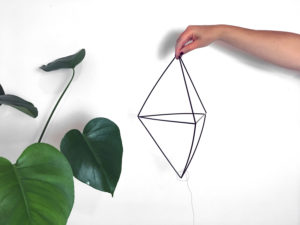 tuto-diy_mobile_paille_geomtrique-suspension_MONSTERA