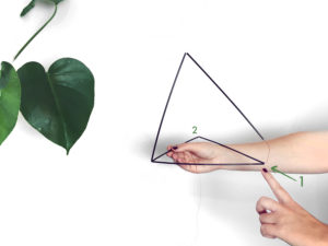diy_mobile_paille_geomtrique-suspension_MONSTERA