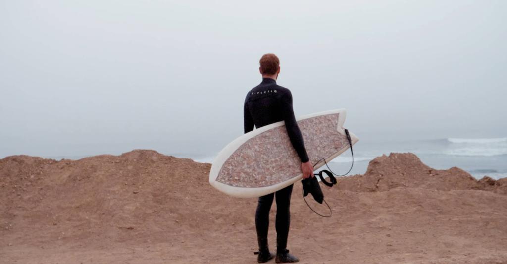 fabriquer-une-planche-de-surf-avec-des-megots-1