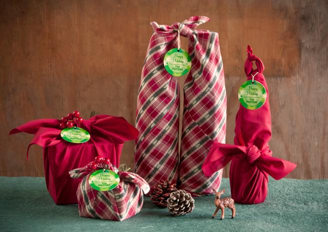 le-visage-cache-de-noel-emballage-papier-cadeau-suremballage-furoshiki