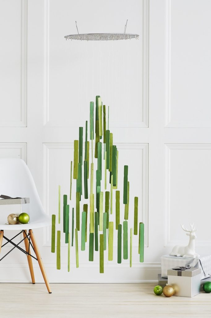 un-sapin-de-noel-plus-vert-diy-zero-dechet-do-it-yourself-inspiration-tendance-tutoriel-suspendu-Michael-Haug