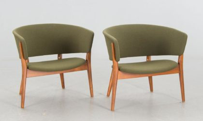 Une paire de chaises Éric Wörtz, adjugées 1 765 €, selon le site Barnebys, Ikeaikea-vintage-rétro-kit-devenu-chic-vente-aux-encheres