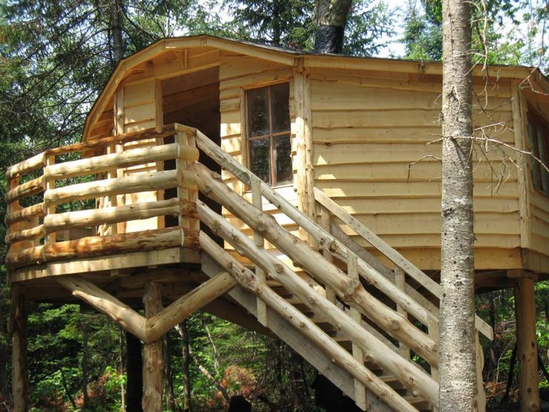 logement-insolite-10-cabanes-dans-les-arbres-a-louer-au-quebecAventures Nord-Bec – Stoneham