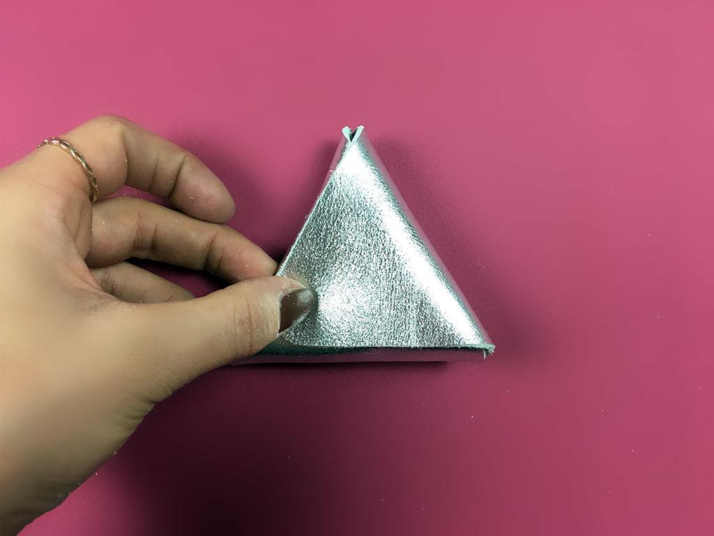 porte monnaie diy pochette cuir Triangle cadeau noel tuto pliage