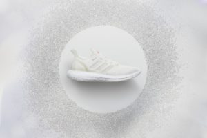 adidas-presente-futurecraft-loop-une-paire-de-baskets-100-recyclable-2