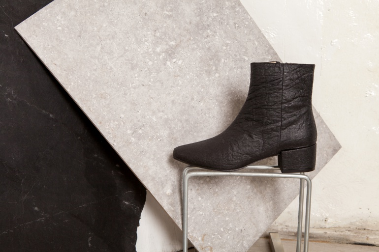 bourgeois_boheme-pinatex-sandal-Annie-Black
